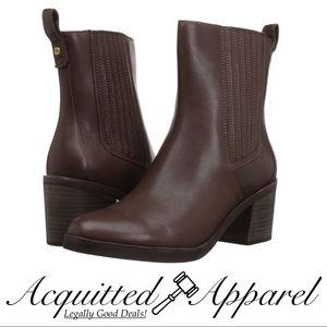 UGG | NWT In Box Camden Leather Ankle Boots